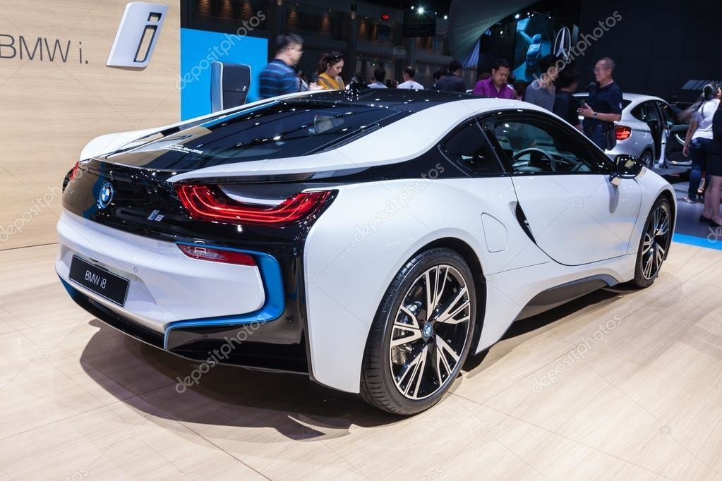 Latest Side View Of Bmw I8 A Plug In Hybrid Sports Car – Stock Free Download