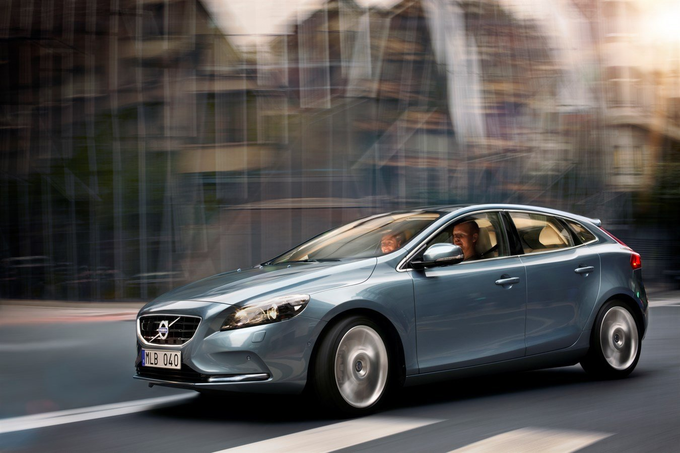 Latest The All New Volvo V40 – Design Truly Scandinavian Luxury Free Download