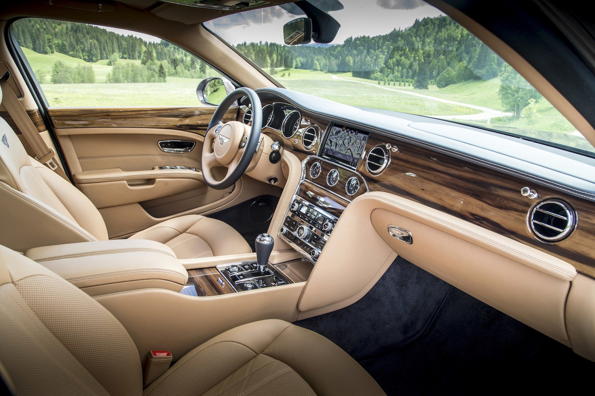 Latest 8 Great Interior Features Of The 2017 Bentley Mulsanne Free Download