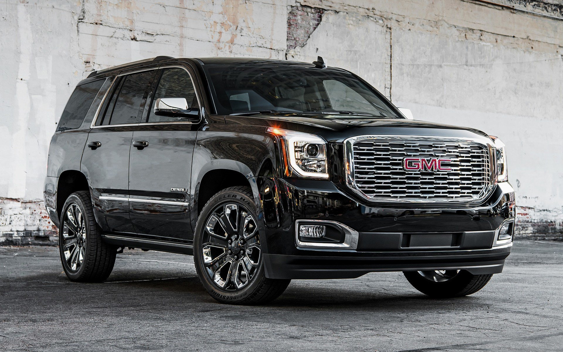 Latest 2018 Gmc Yukon Denali Ultimate Black Edition Wallpapers Free Download