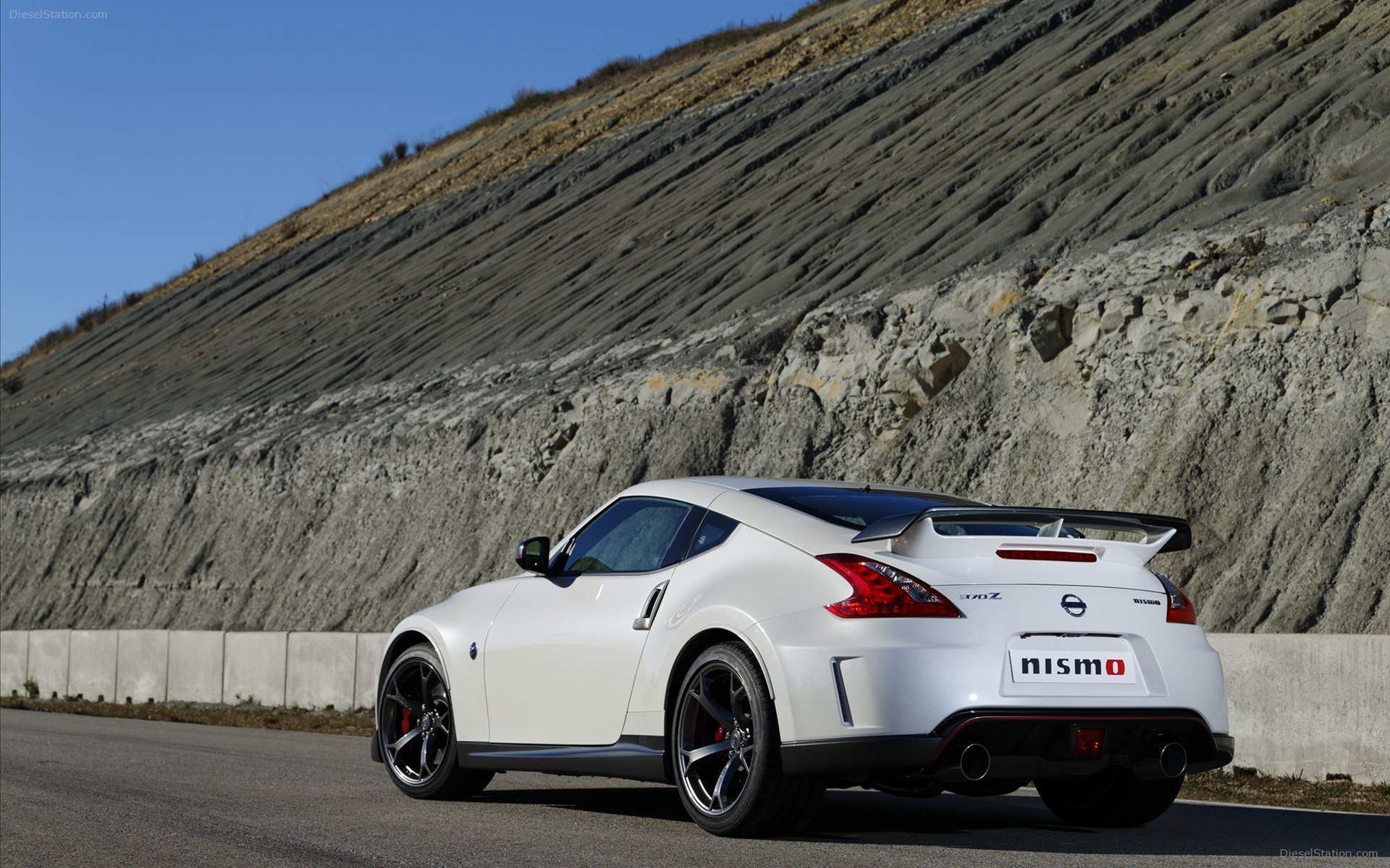 Latest Nissan 370Z Nismo 2014 Widescreen Exotic Car Wallpaper 03 Free Download