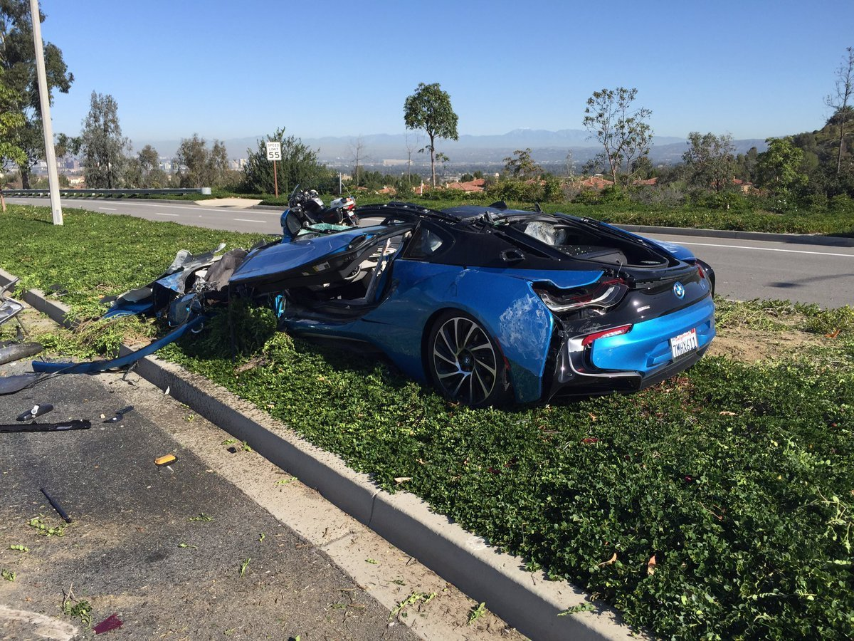 Latest Bmw Cars News Bmw I8 Destroyed In Freak Crash Free Download