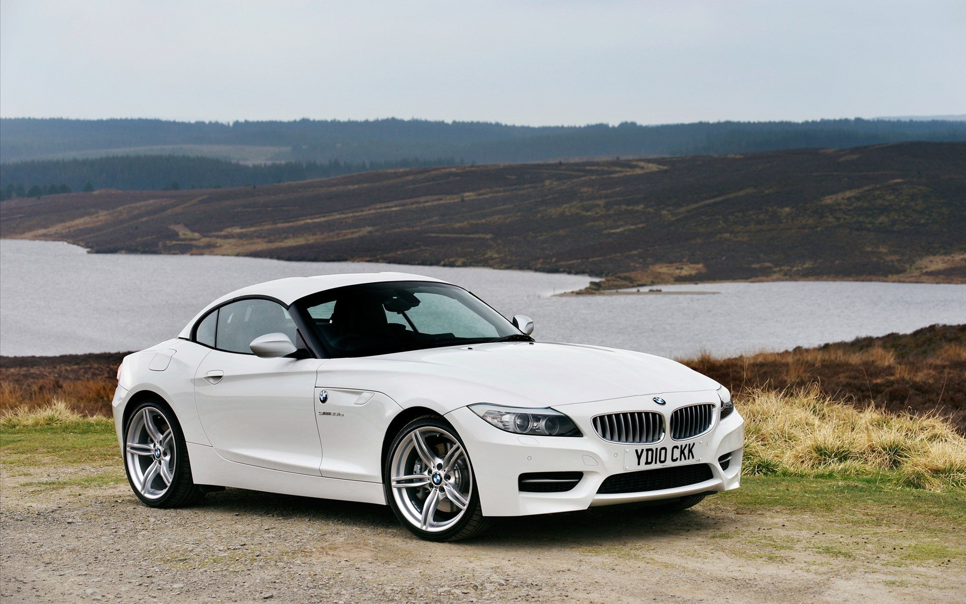 Latest White Bmw Z4 In 2011 Car Hd Wallpapers Free Download Original 1024 x 768