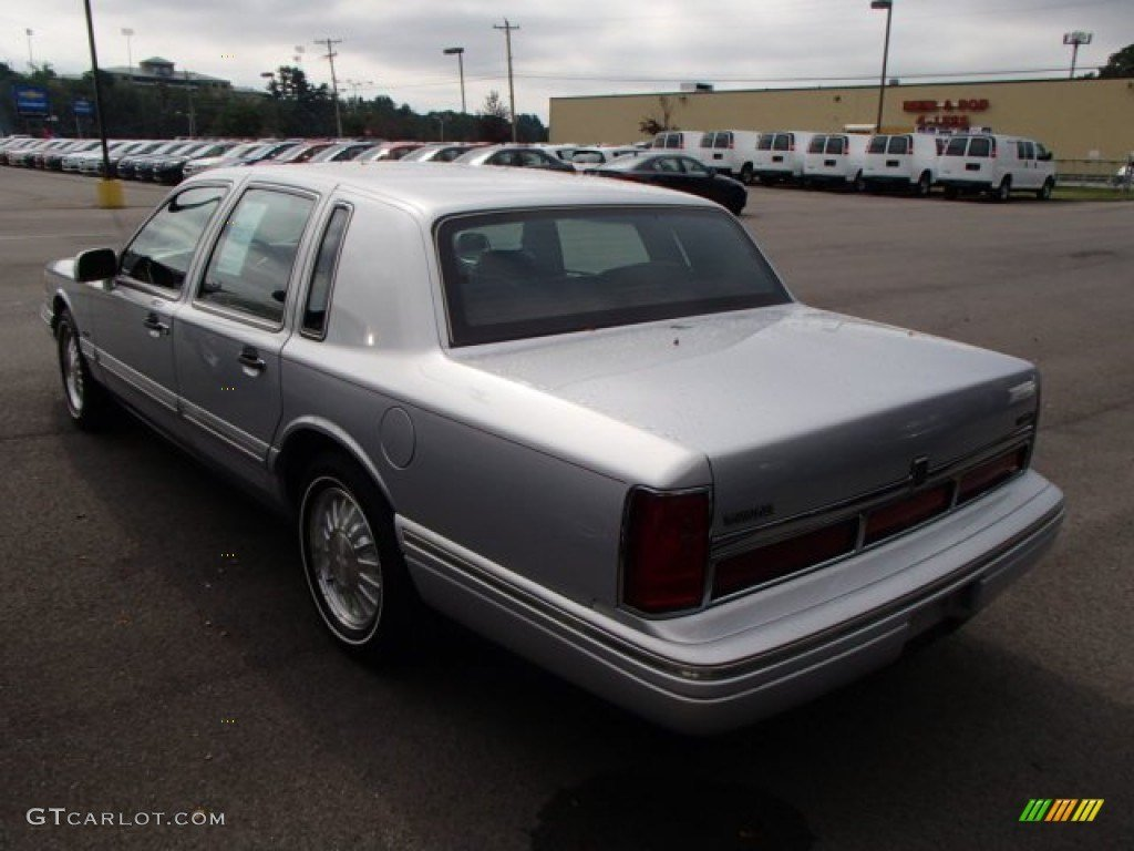 Latest 2019 Lincoln Town Car Cartier Car Photos Catalog 2019 Free Download