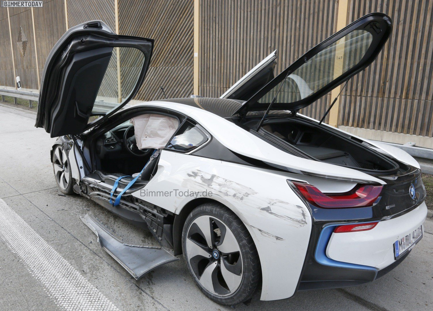 Latest Wrecked Bmw I8 Free Download