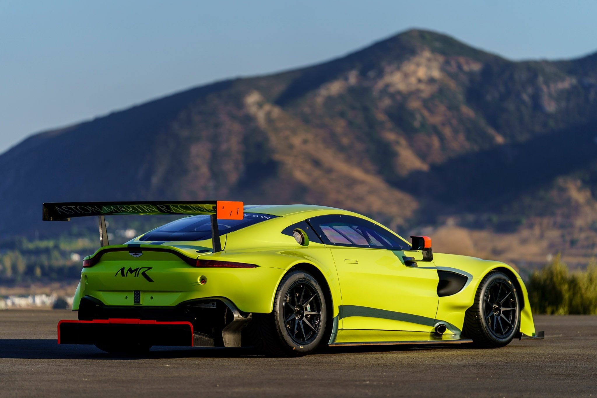 Latest Aston Martin Racing Debuts Vantage Gte Race Car Photo Free Download