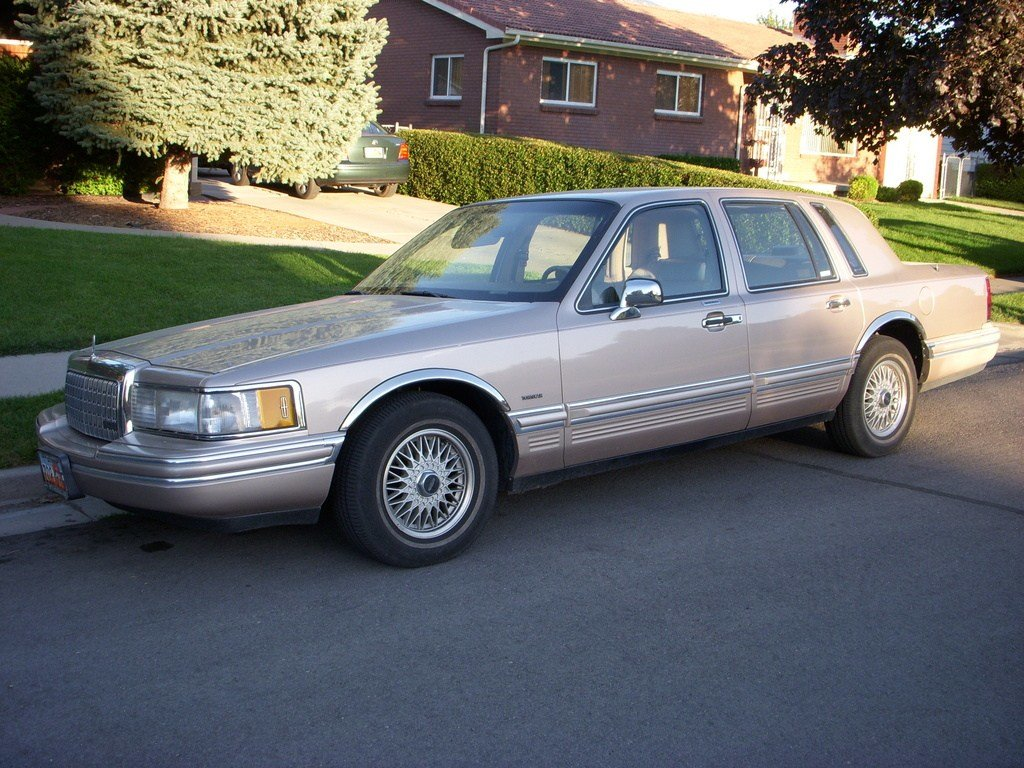 Latest Tobaccula 1993 Lincoln Town Car Specs Photos Free Download