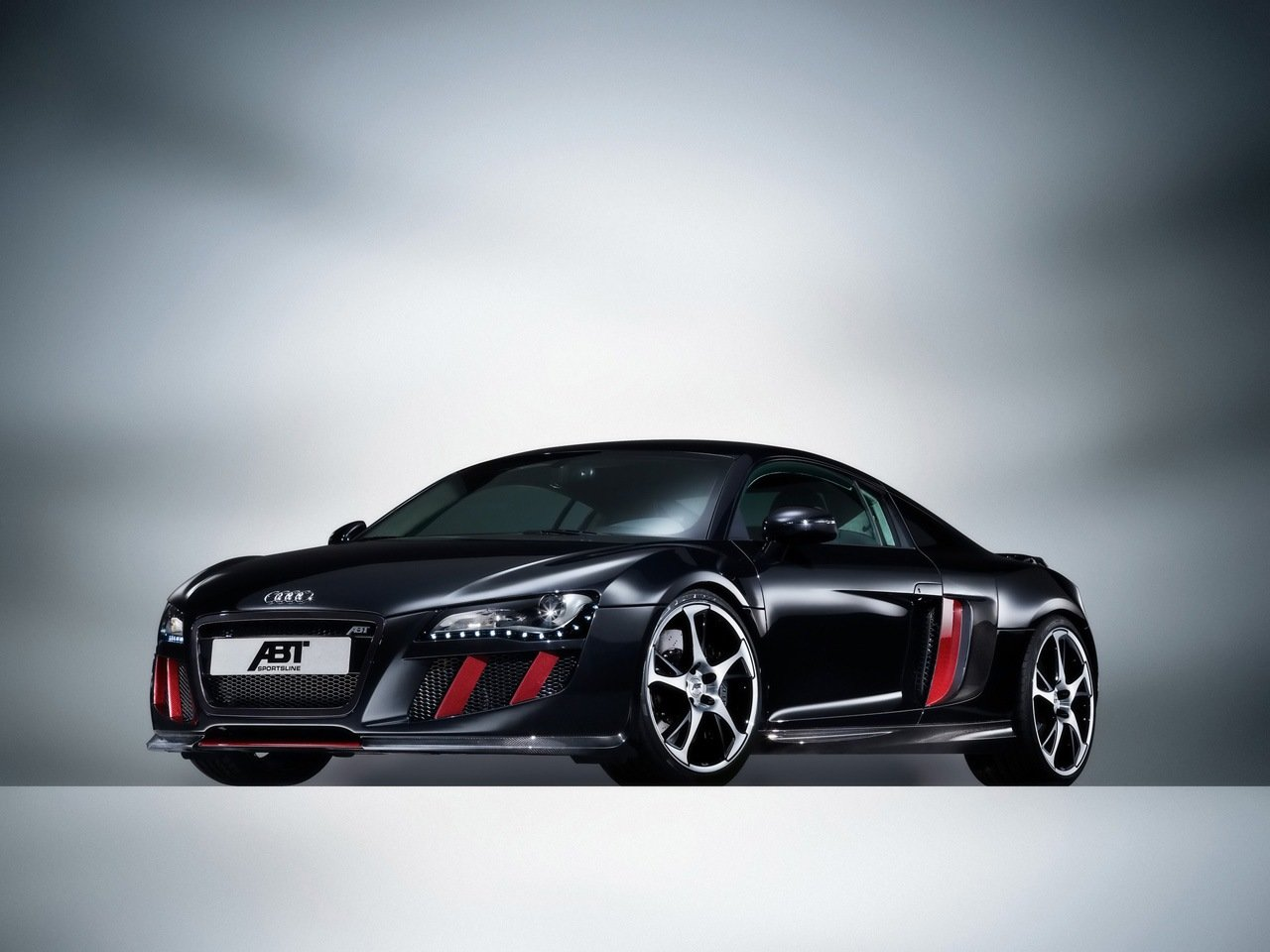 Latest Cars Pictures Audi R8 Free Download