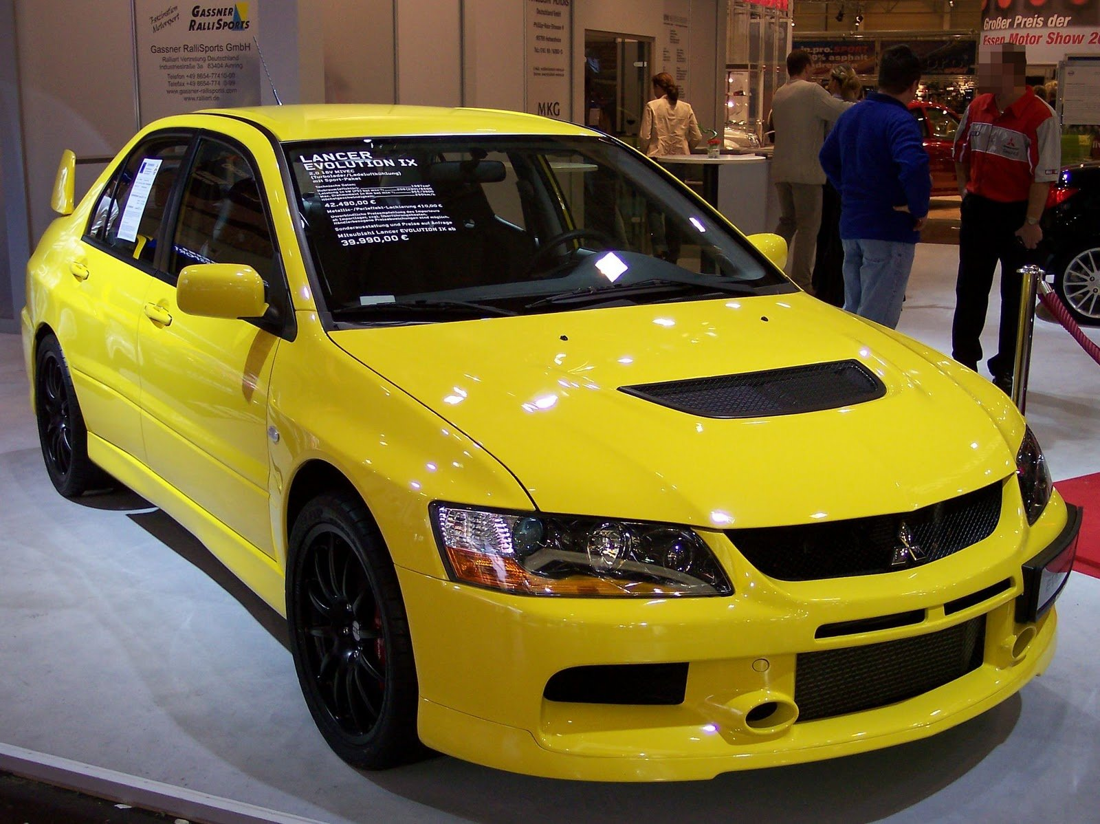 Latest Sport Car Mitsubishi Lancer Wallpapers Picture Images Free Download