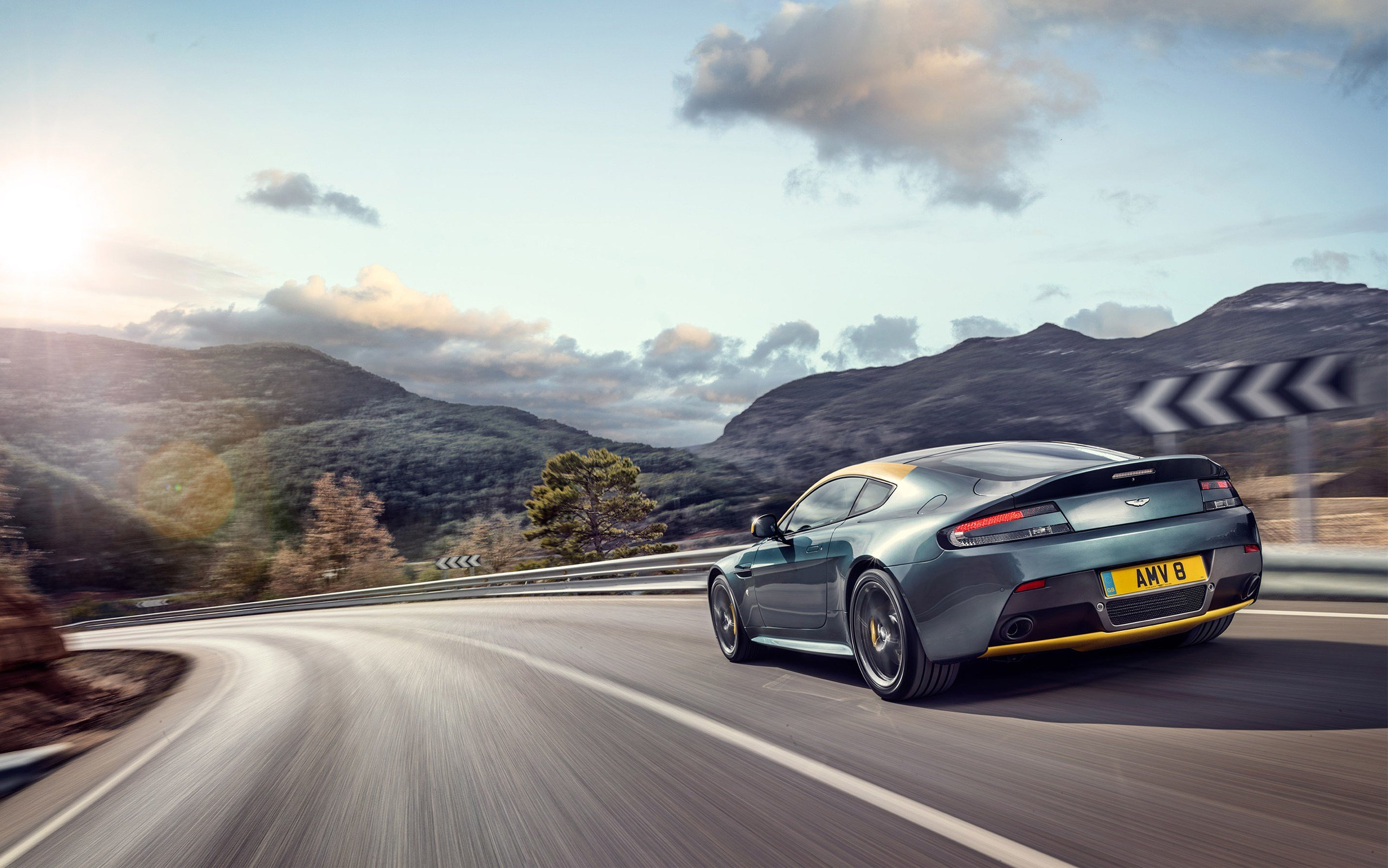 Latest 2014 Aston Martin V8 Vantage N430 3 Wallpaper Hd Car Free Download