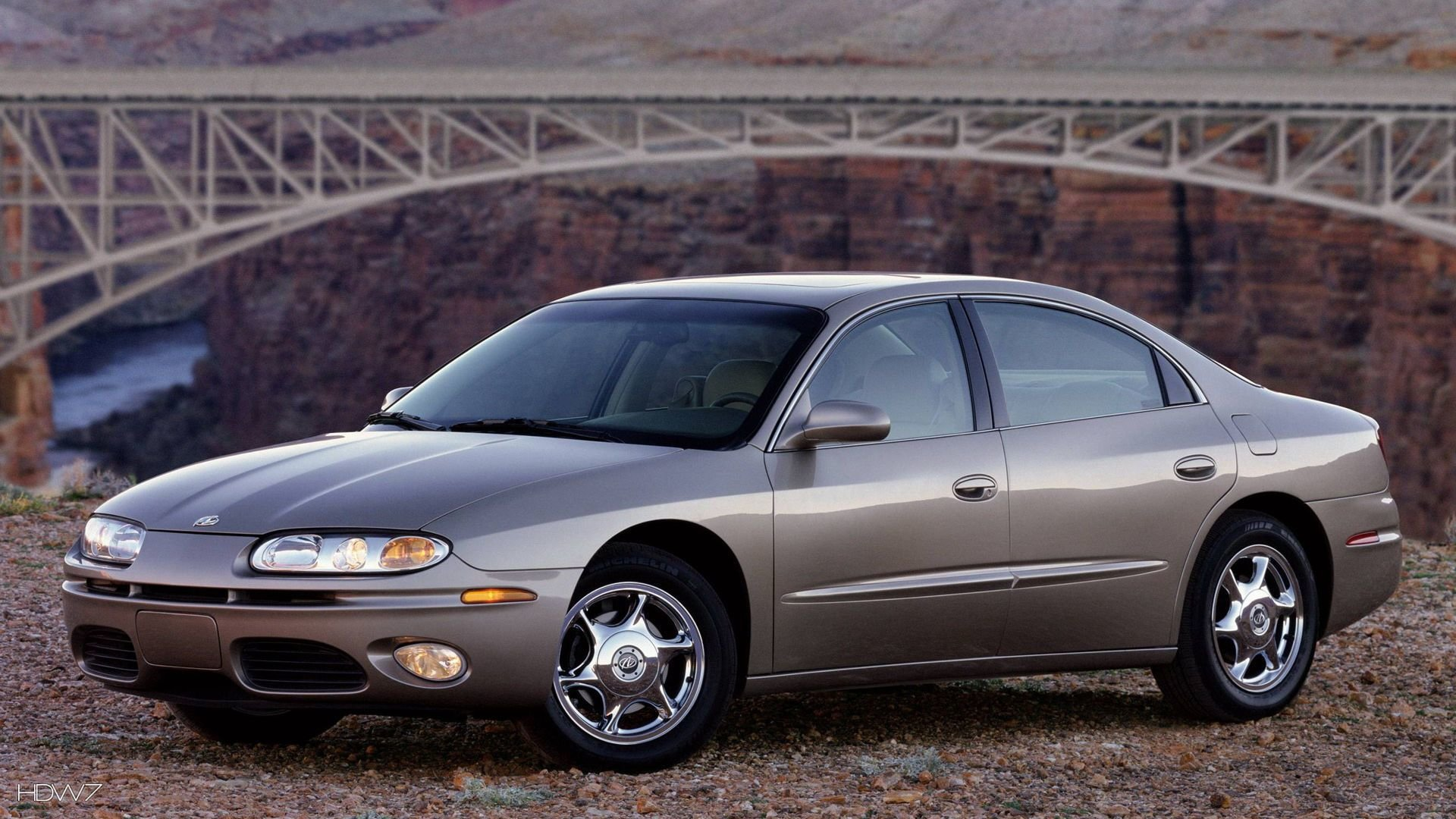 Latest Oldsmobile Aurora 2001 Car Hd Wallpaper Hd Wallpaper Free Download