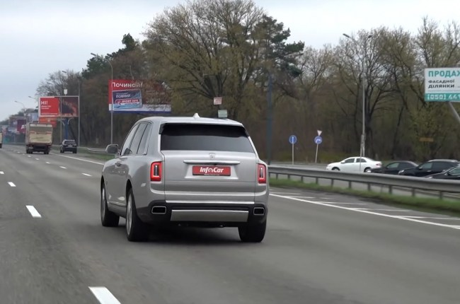 Bentley Bentayga на трассе