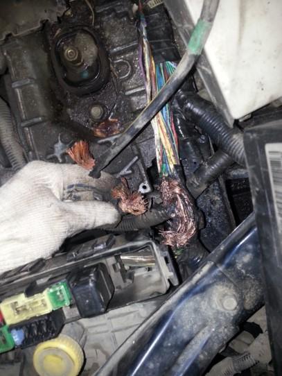 сгоревшая проводка автомобиля
