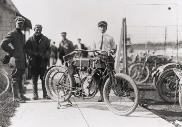 Гонка Harley-Davidson