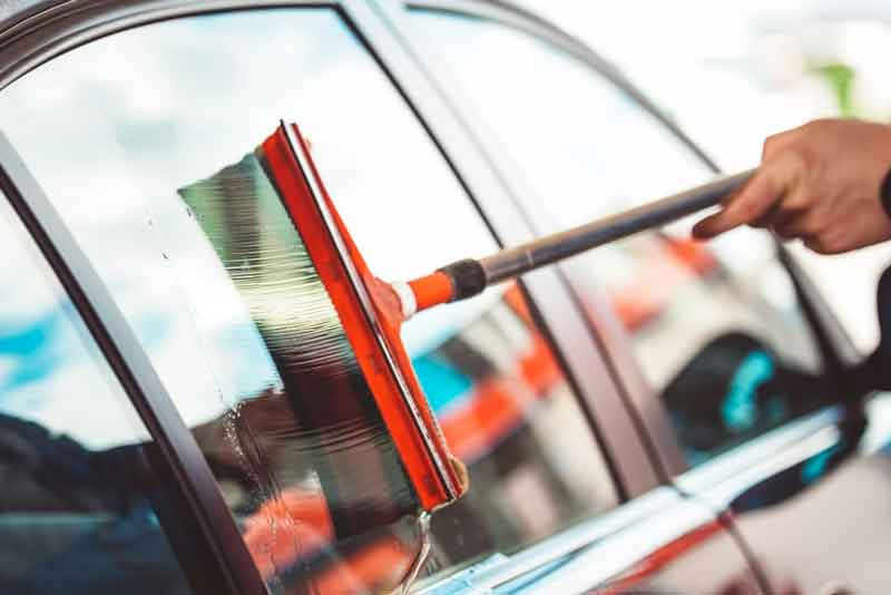 how to clean your car windows