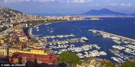 Leje af autocamper Napoli Italien