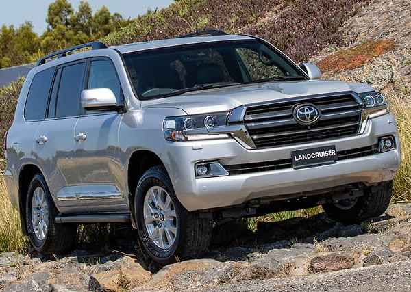 Landcruiser 200 series: order now or wait for the 300 series