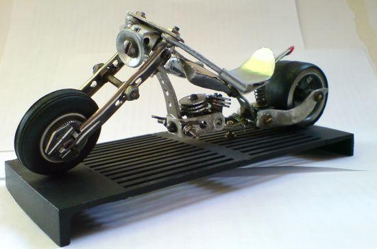 Scale souvenir motorbike models 8