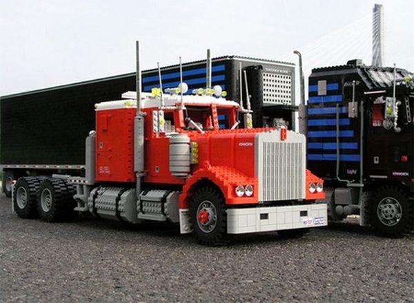 lego_optimus_prime_truck_2