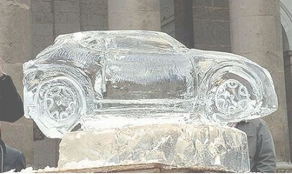 Alfa-Romeos-MiTo-in-Ice