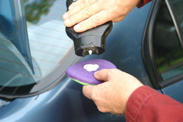 waxing your car (3)