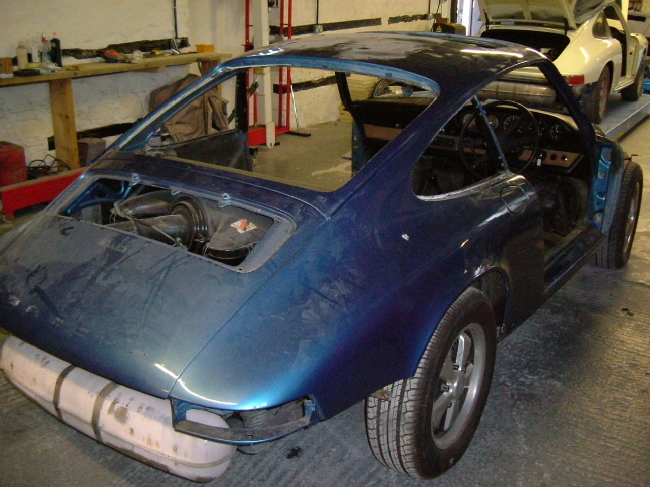 The Blue Pearl during restoration at Export 56 - 1972 Porsche 911T