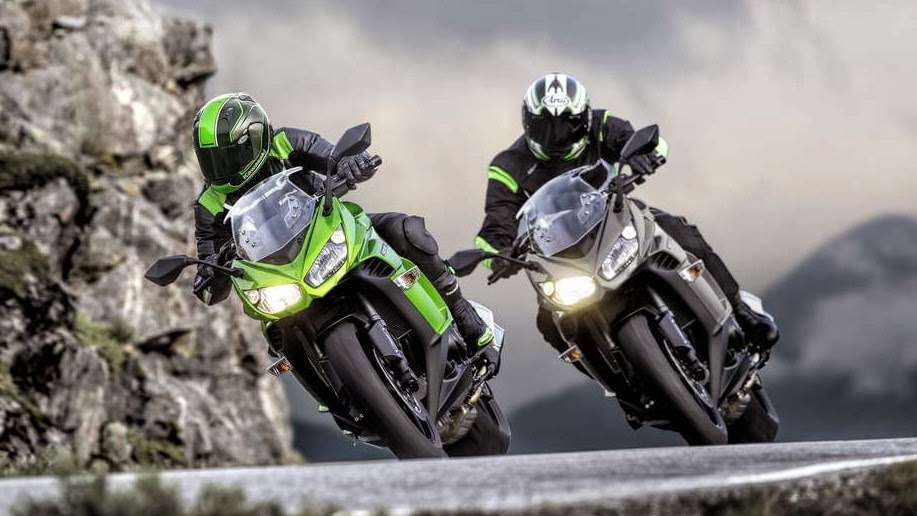 2014 Kawasaki Ninja 1000 in action