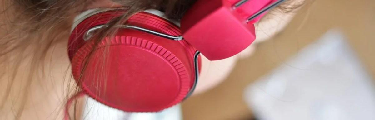 Come usare l'ascolto passivo per imparare una lingua