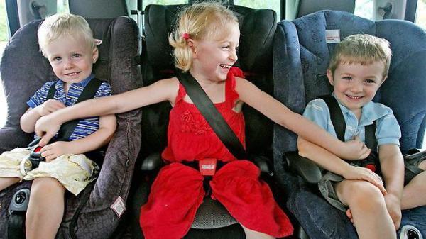 Удерживающее устройство для детей в автомобиле: бустеры и ...