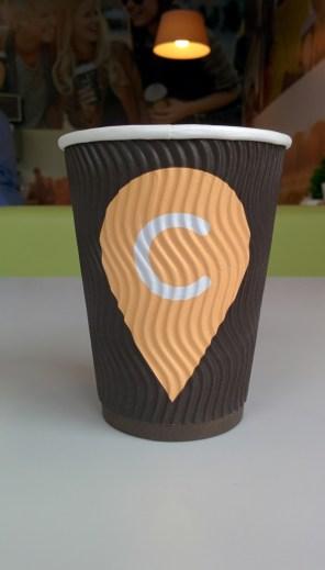 Эксперты проверили качество хот-догов и кофе на украинских АЗС