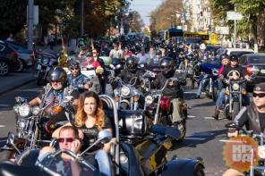 Больше 500 мотоциклов закрыли байкерский сезон в Киеве