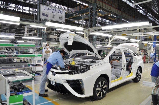 2016-toyota-mirai-construction-at-motomachi-plant_100501827_m