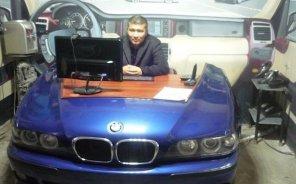 На казахской разборке научились делать мебель из автохлама