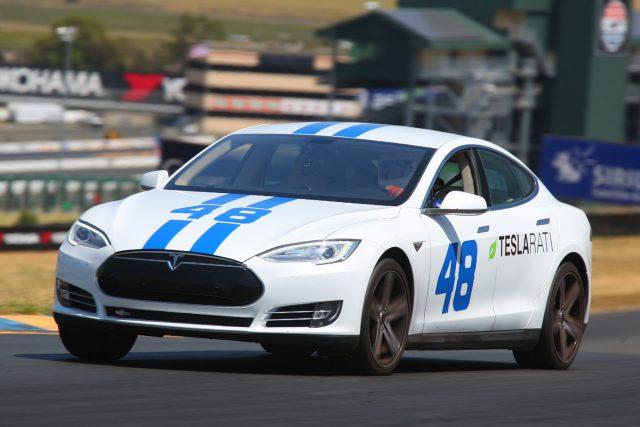 Tesla-Model-S-Racing