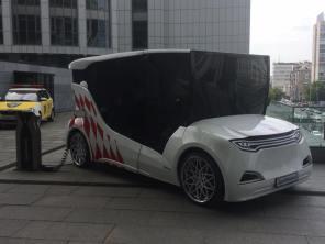 В Киеве презентовали прототип первого украинского электромобиля