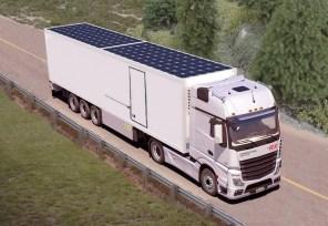Немцы установят солнечные панели на крышах фур для экономии топлива