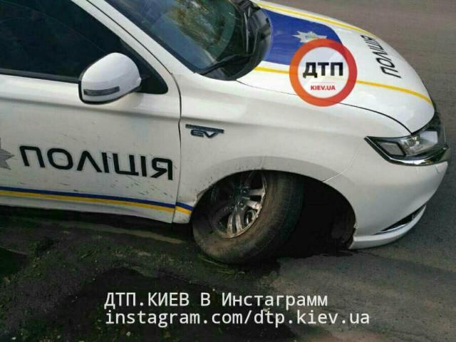 Первый пошел: полицейский гибрид Mitsubishi Outlander PHEV попал в ДТП