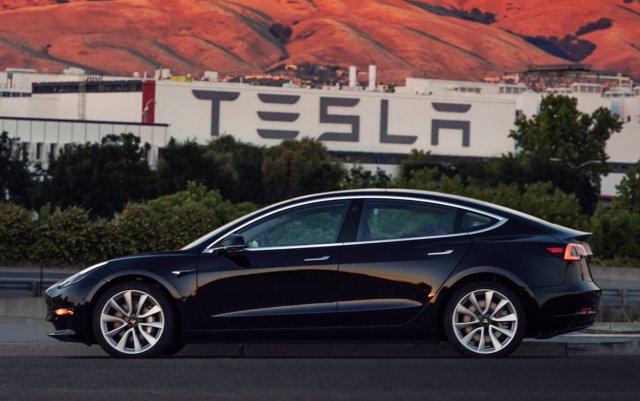5 фактов о новой Tesla Model 3, которые важно знать