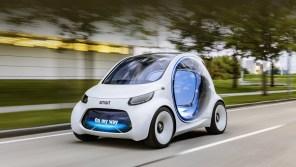 Mercedes показал электрический Smart будущего: без руля и педалей, но с беспроводной зарядкой