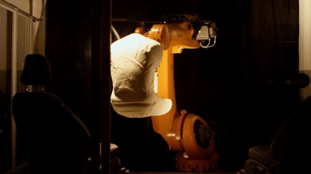 """Ford создал """"робозад"""" крупного мужчины для тестов сидений"""