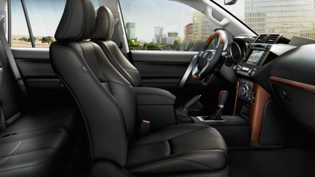 Land Cruiser Prado 2017 доступен в Украине с системой Toyota Safety Sense