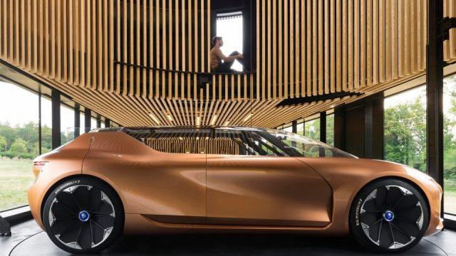 В сети появились первые реальные видео беспилотного Renault Symbioz