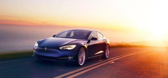 Электромобиль обошел известные спорткары в рейтинге удовлетворенности водителей