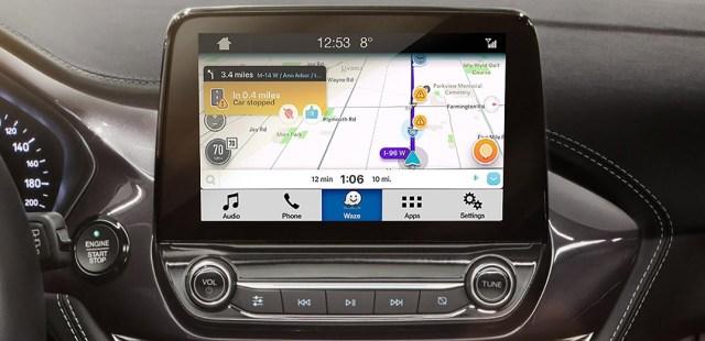 Приложение Waze официально встроят в мультимедиа систему Ford