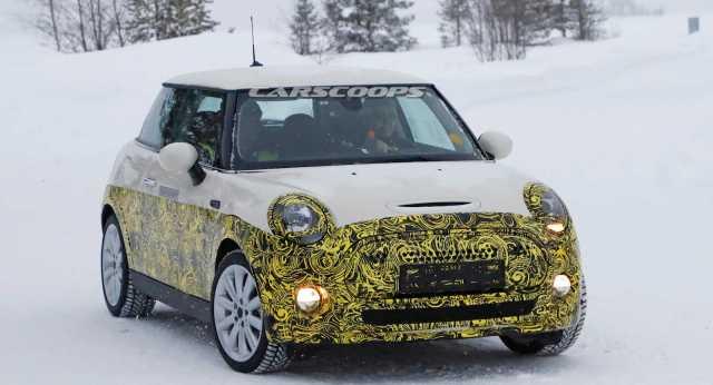 Фотошпионы сняли электрический прототип Mini на тестах в шведских снегах