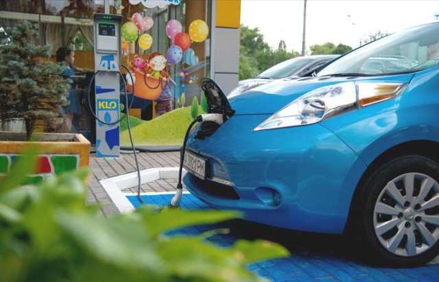 Халяве конец: сеть АЗС КЛО вводит оплату за зарядку электромобилей