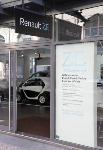 Сначала Стокгольм, теперь Берлин: Renault открывает концептуальный шоурум электромобилей