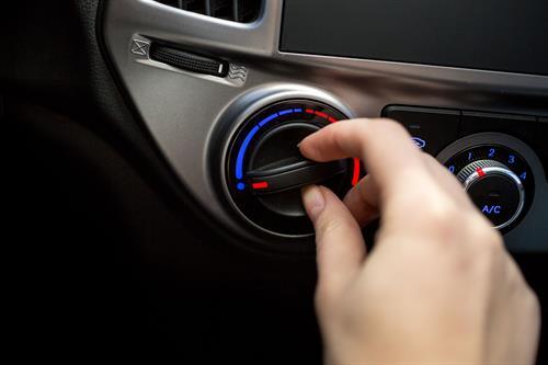 Советы во время поездки на автомобиле в жару: что нужно и чего не нужно делать