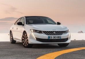 Курс на электризацию: Peugeot оснастит электромотором модель 508