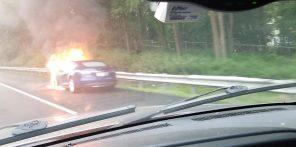 Электромобиль Tesla Model S снова загорелся во время движения